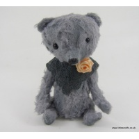 Evie vintage grey bear