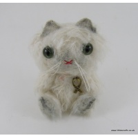 Hetty vintage white cat