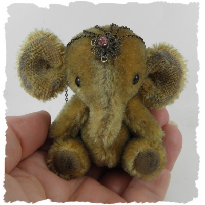 elephant miniature sept15