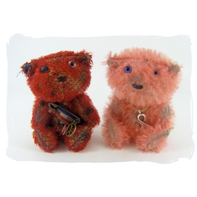 red and pink soldier bears